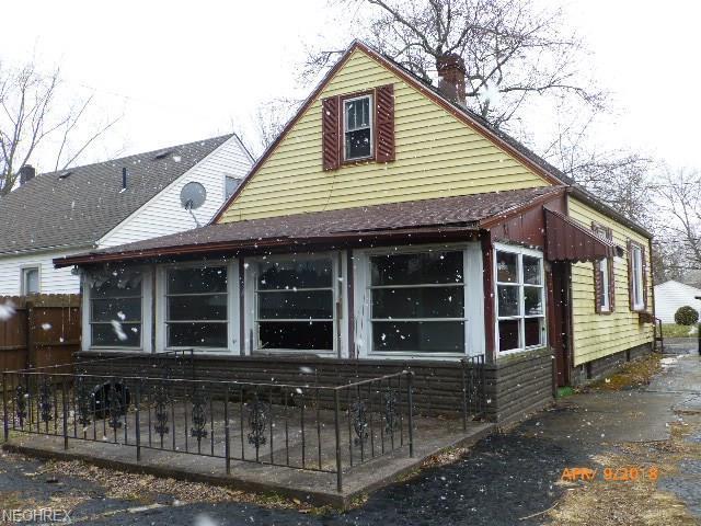 424 Wallace Ave SE, Canton, OH 44707 (MLS #3990116) :: PERNUS & DRENIK Team