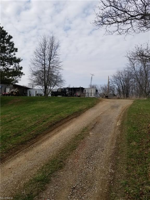 7025 Quince Rd SE, Amsterdam, OH 43903 (MLS #3990632) :: The Crockett Team, Howard Hanna