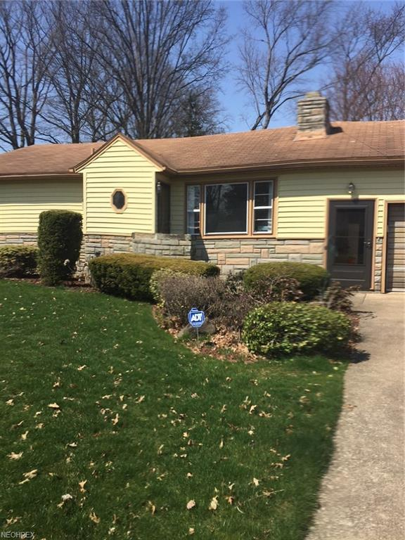 3140 Oran Dr, Youngstown, OH 44511 (MLS #3991095) :: RE/MAX Valley Real Estate
