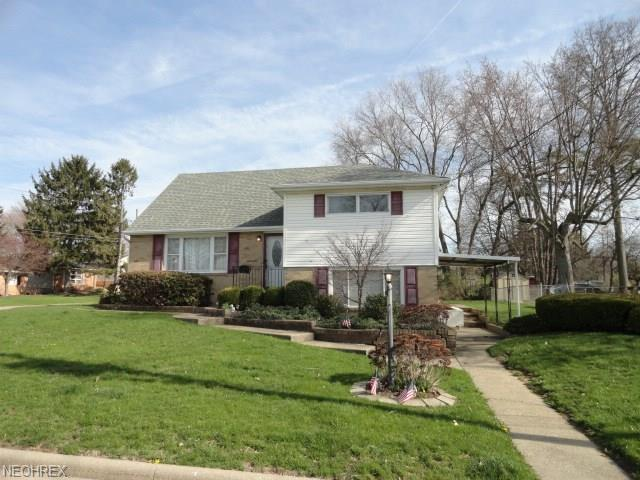 905 Lynbrook St SE, North Canton, OH 44720 (MLS #3991844) :: Tammy Grogan and Associates at Cutler Real Estate