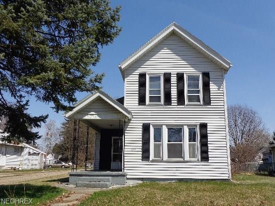 522 6th St SW, Massillon, OH 44647 (MLS #3992622) :: Tammy Grogan and Associates at Cutler Real Estate
