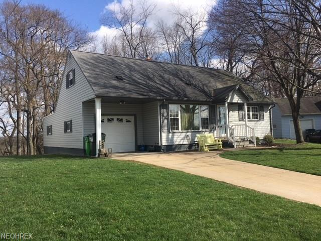 124 Far View Dr SW, North Canton, OH 44720 (MLS #3992723) :: Tammy Grogan and Associates at Cutler Real Estate