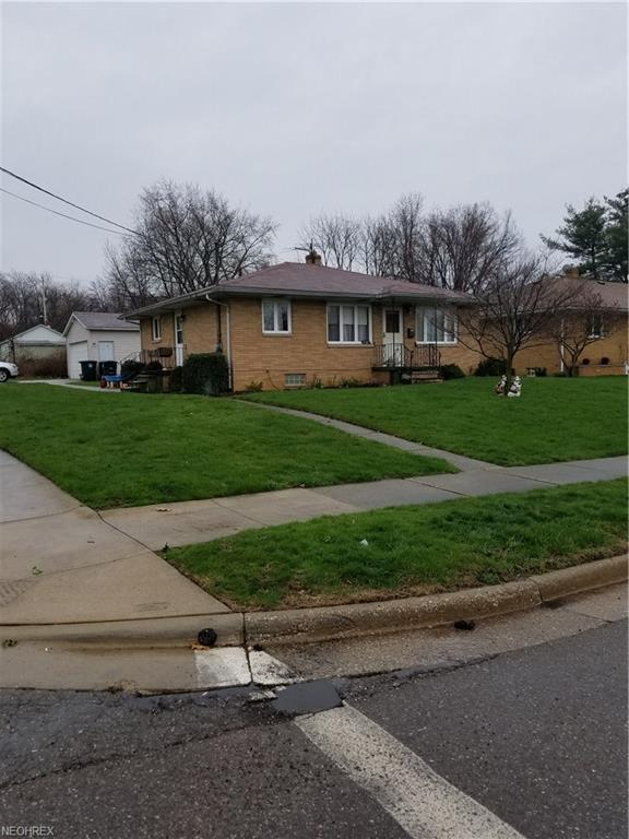 1547 Creighton Ave, Akron, OH 44310 (MLS #3992745) :: Tammy Grogan and Associates at Cutler Real Estate