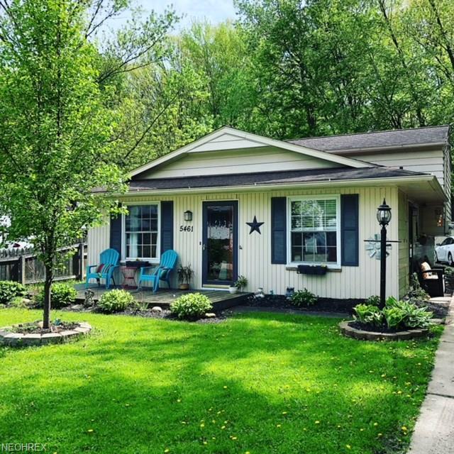 5461 Pleasant St, North Ridgeville, OH 44039 (MLS #3999403) :: PERNUS & DRENIK Team