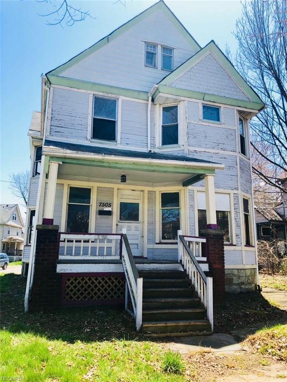 7505 Franklin Blvd, Cleveland, OH 44102 (MLS #4000488) :: The Trivisonno Real Estate Team