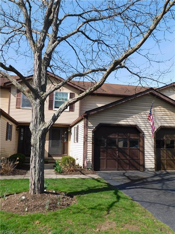 9654 E Idlewood Dr, Twinsburg, OH 44087 (MLS #4000492) :: RE/MAX Trends Realty