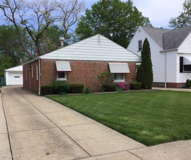 1309 Elmwood Rd, Mayfield Heights, OH 44124 (MLS #4001281) :: The Crockett Team, Howard Hanna