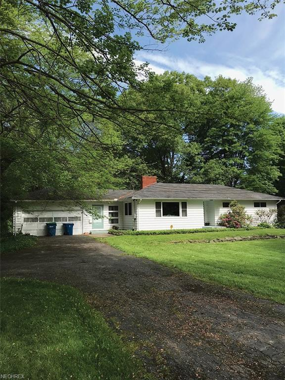 220 Warner Rd, Hubbard, OH 44425 (MLS #4007364) :: Tammy Grogan and Associates at Cutler Real Estate