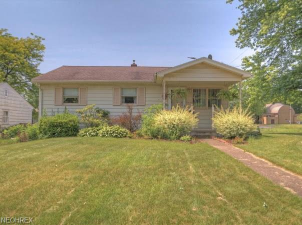 160 Gertrude Ave, Campbell, OH 44405 (MLS #4007655) :: Tammy Grogan and Associates at Cutler Real Estate