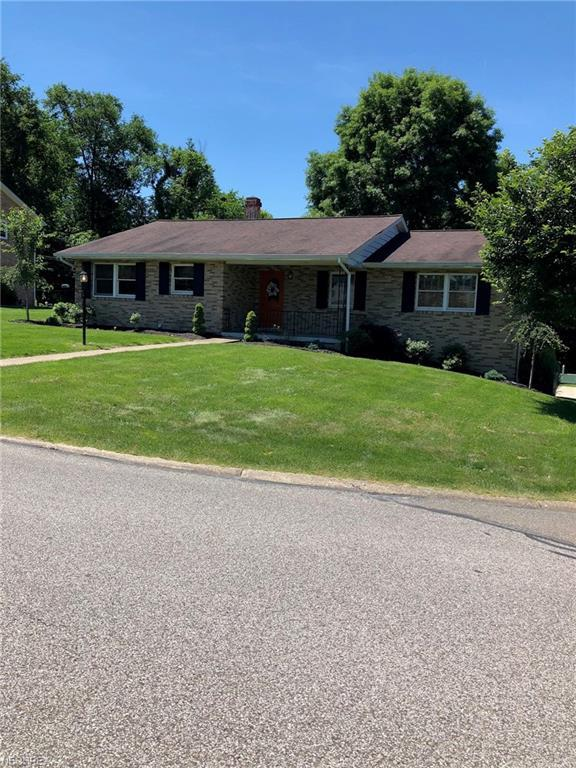 214 Greentree Dr, St. Clairsville, OH 43950 (MLS #4009043) :: Tammy Grogan and Associates at Cutler Real Estate