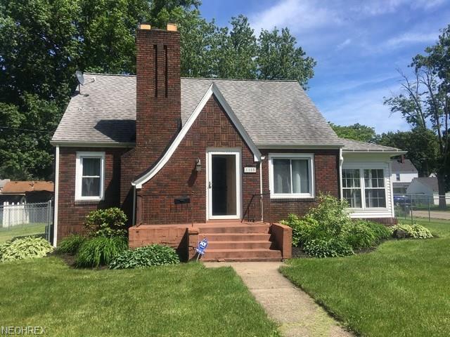 1185 Trumbull Ave SE, Warren, OH 44484 (MLS #4009096) :: The Crockett Team, Howard Hanna