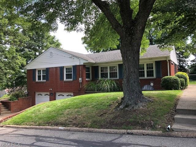 3200 Homewood Ave, Steubenville, OH 43952 (MLS #4009431) :: The Crockett Team, Howard Hanna