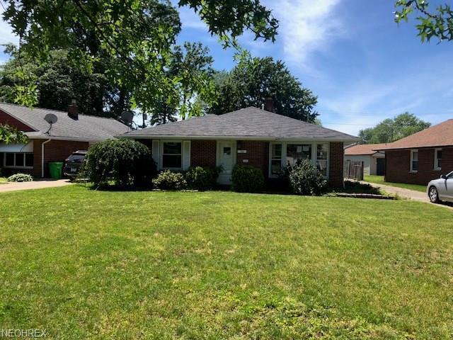 762 Bayridge Blvd, Willowick, OH 44095 (MLS #4010387) :: PERNUS & DRENIK Team