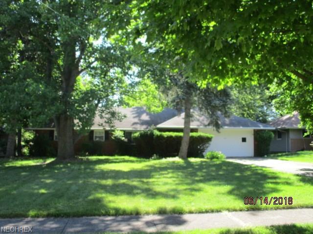 497 Jeannette Dr, Richmond Heights, OH 44143 (MLS #4010754) :: The Crockett Team, Howard Hanna