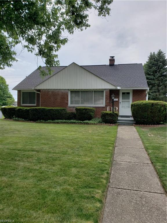 1512 Dexter Rd NE, Massillon, OH 44646 (MLS #4011310) :: RE/MAX Trends Realty