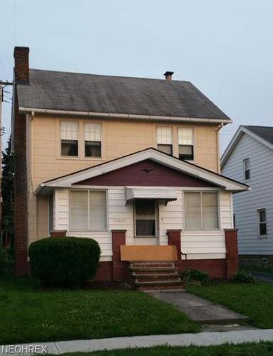 10404 Homeworth Ave, Garfield Heights, OH 44125 (MLS #4012452) :: The Crockett Team, Howard Hanna