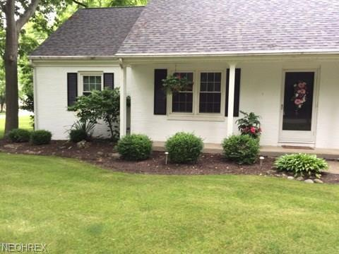 1830 N Concord Cir N, Port Clinton, OH 43452 (MLS #4015277) :: RE/MAX Valley Real Estate
