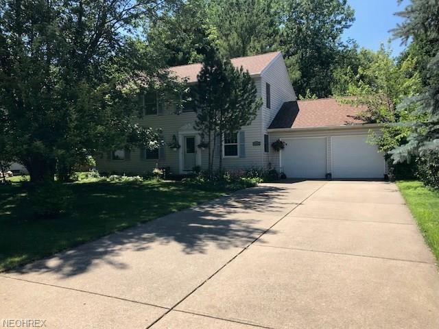 4358 Sunnyview Dr, Uniontown, OH 44685 (MLS #4016974) :: RE/MAX Trends Realty