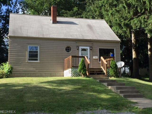 364 W 9th St, Salem, OH 44460 (MLS #4017305) :: The Crockett Team, Howard Hanna