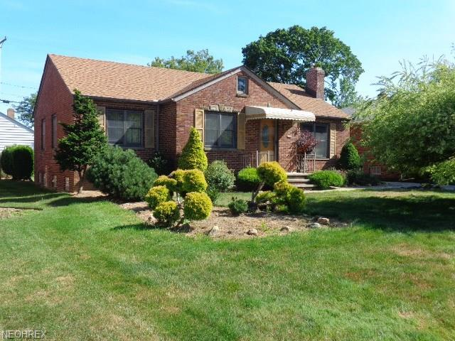 6506 Ridgewood Lakes Dr, Parma, OH 44129 (MLS #4019674) :: The Crockett Team, Howard Hanna