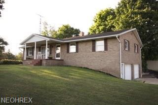 8988 Alberta Beach St NE, Louisville, OH 44641 (MLS #4020610) :: RE/MAX Edge Realty