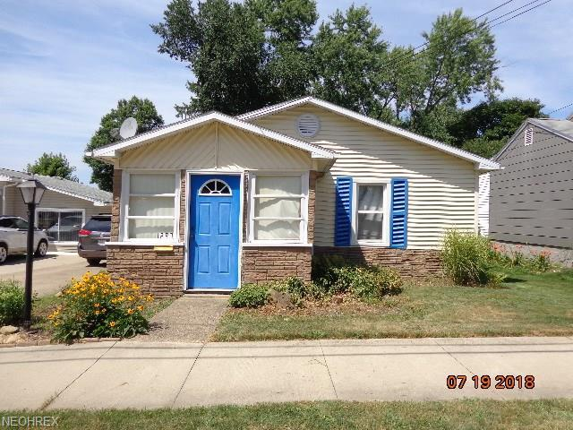 1297 Auburn Ave, Barberton, OH 44203 (MLS #4020732) :: RE/MAX Edge Realty