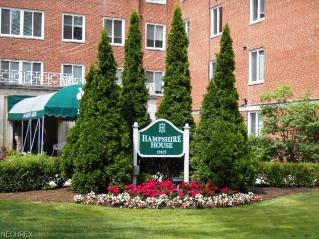 19425 Van Aken Blvd #402, Shaker Heights, OH 44122 (MLS #4021740) :: The Crockett Team, Howard Hanna