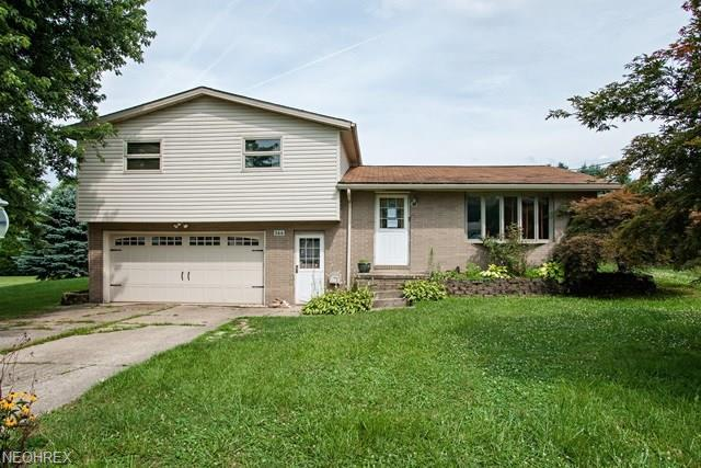 366 Dietz Ave NE, East Canton, OH 44730 (MLS #4022240) :: The Kaszyca Team