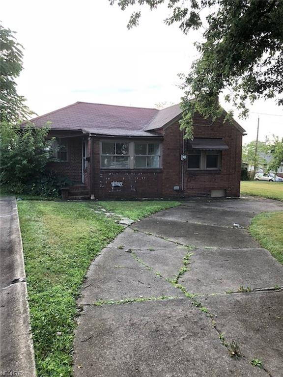 407 W Heights Ave, Youngstown, OH 44509 (MLS #4022800) :: The Crockett Team, Howard Hanna