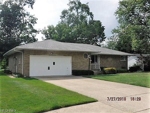 6782 Anthony Ln, Parma Heights, OH 44130 (MLS #4023072) :: The Crockett Team, Howard Hanna