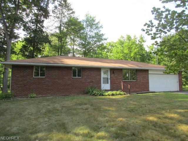 14681 Millersburg Rd SW, Navarre, OH 44662 (MLS #4023344) :: The Crockett Team, Howard Hanna