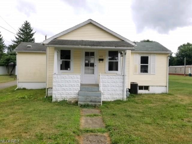 603 Oxford Ave, Newcomerstown, OH 43832 (MLS #4023959) :: The Crockett Team, Howard Hanna