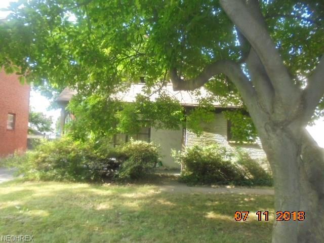 3791 Berkeley Rd, Cleveland Heights, OH 44118 (MLS #4024435) :: The Crockett Team, Howard Hanna