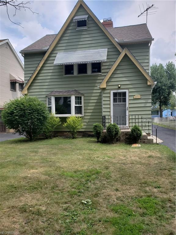 897 Keystone Dr, Cleveland Heights, OH 44121 (MLS #4024740) :: RE/MAX Edge Realty