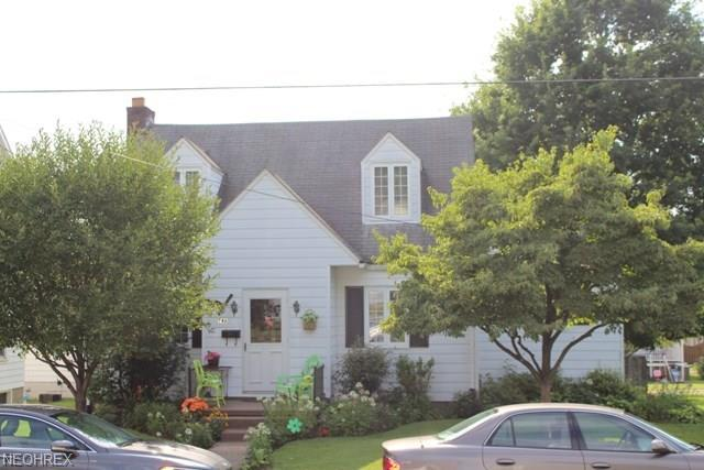 746 5th St, New Martinsville, WV 26155 (MLS #4024901) :: RE/MAX Edge Realty