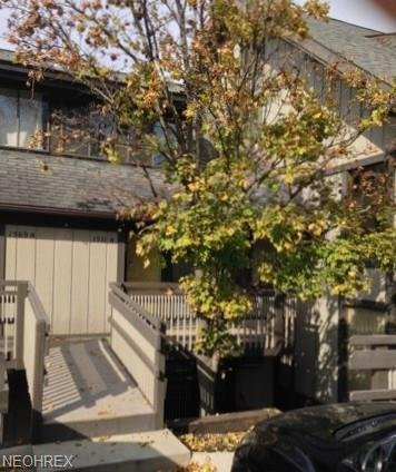 1571A Treetop Trl, Akron, OH 44313 (MLS #4025031) :: The Crockett Team, Howard Hanna
