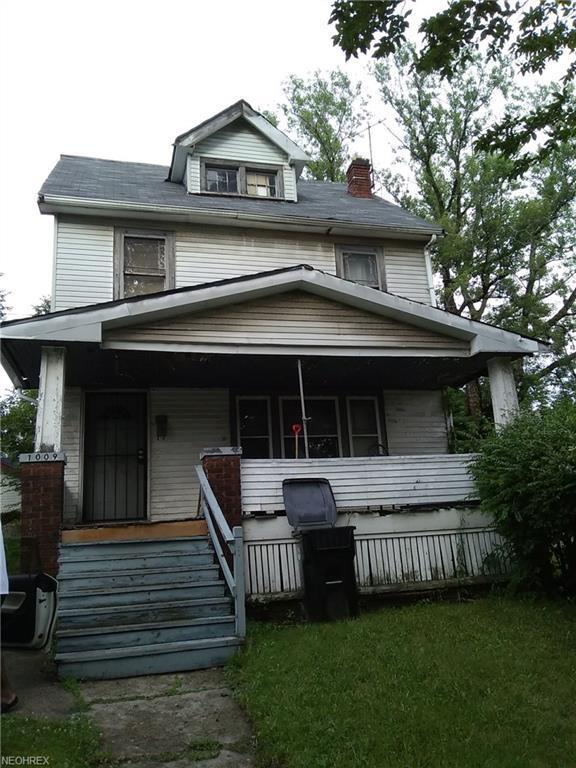 1009 E 146th St, Cleveland, OH 44110 (MLS #4025281) :: The Crockett Team, Howard Hanna