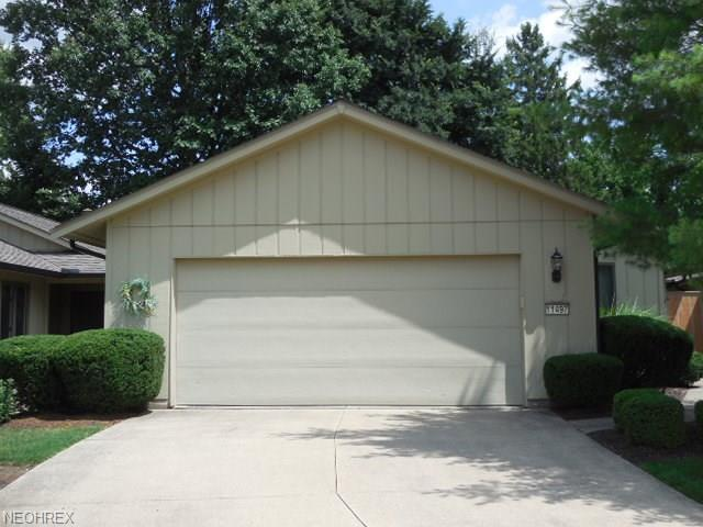11497 Co Moor Blvd, Strongsville, OH 44149 (MLS #4027226) :: The Crockett Team, Howard Hanna