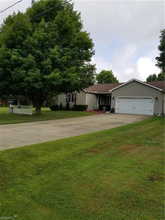 2955 Linda Ln, Ashtabula, OH 44004 (MLS #4027343) :: The Crockett Team, Howard Hanna