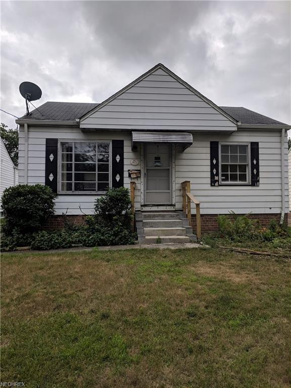 3871 Brookside Blvd, Cleveland, OH 44111 (MLS #4027576) :: The Crockett Team, Howard Hanna