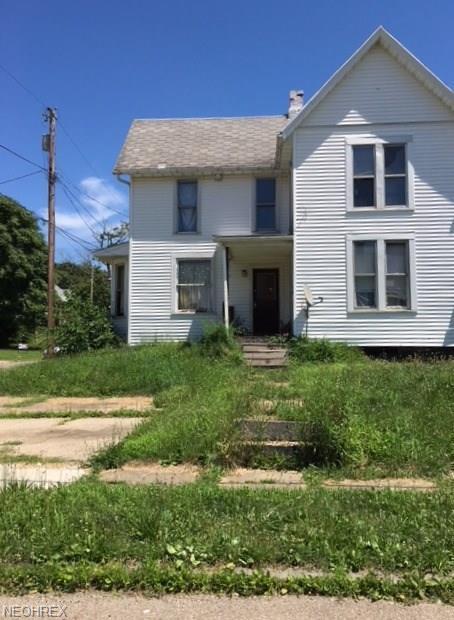 514 Newton Ave NW, Canton, OH 44703 (MLS #4031442) :: Keller Williams Chervenic Realty
