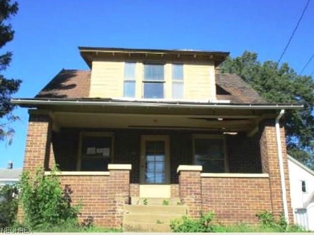 863 10th St NE, Massillon, OH 44646 (MLS #4036589) :: Tammy Grogan and Associates at Cutler Real Estate