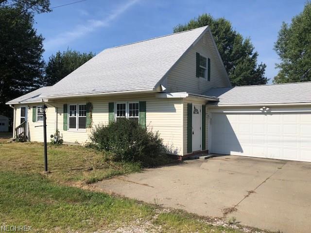 4010 N Ridge Rd W, Saybrook, OH 44004 (MLS #4037197) :: Keller Williams Chervenic Realty