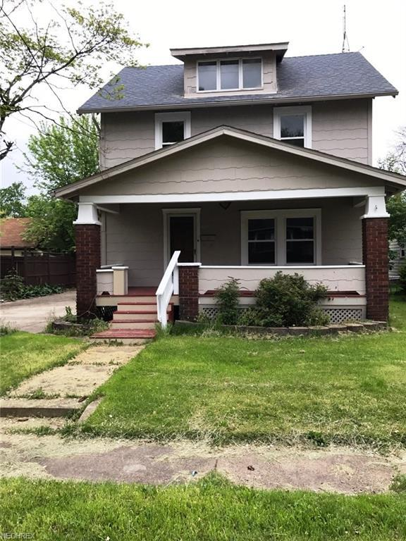 317 Lincoln Ave, Louisville, OH 44641 (MLS #4037679) :: Keller Williams Chervenic Realty