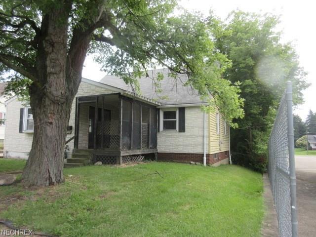2728 Baldwin Ave NE, Canton, OH 44705 (MLS #4038968) :: RE/MAX Edge Realty