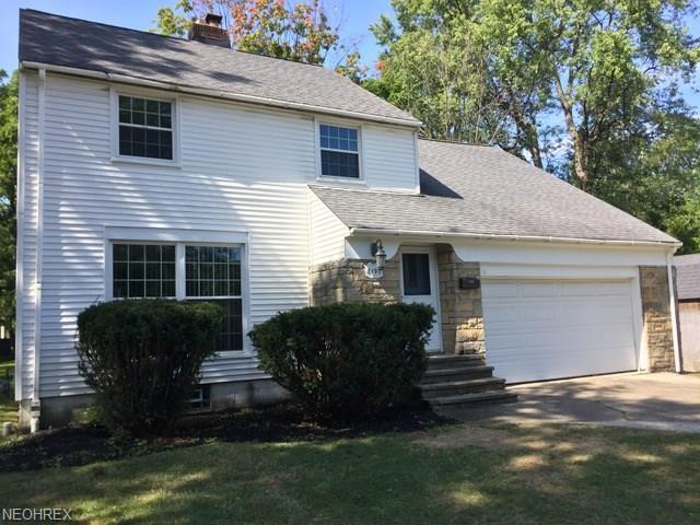 8190 Broadmoor Rd, Mentor, OH 44060 (MLS #4039287) :: Keller Williams Chervenic Realty