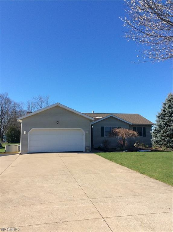 230 S Crestview Dr, Creston, OH 44217 (MLS #4040848) :: RE/MAX Edge Realty
