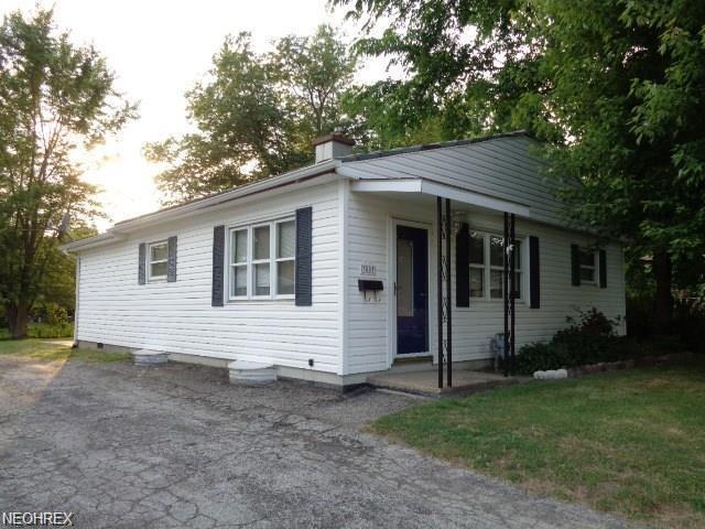 3003 Blair Ave, Ashtabula, OH 44004 (MLS #4041958) :: PERNUS & DRENIK Team