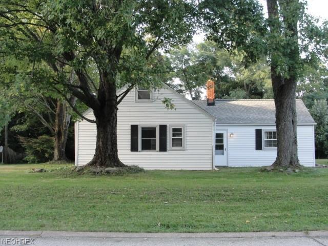 7750 Fairview Ave, Kirtland, OH 44094 (MLS #4042919) :: RE/MAX Edge Realty