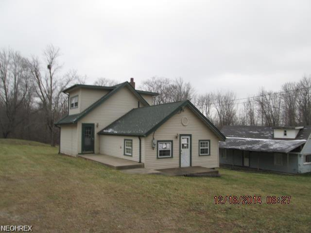 4040 Lesh St NE, Canton, OH 44705 (MLS #4043124) :: RE/MAX Edge Realty